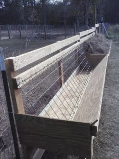 Hay feeders for goats & sheep to reduce waste. Similar hay feeder design plans can found on goat & sheep supply The Farm, Small Farm, Goat Hay Feeder, Diy Hay Feeder, Sheep Feeders, Horse Feeder, Goat Shelter, Goat Pen, Goat House