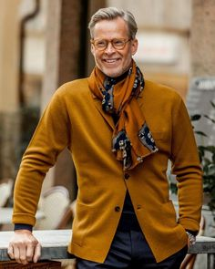 Men's Fashion – How to Nail Office wear – Designer Fashion Tips Star Fashion, Fashion Outfits, Mens Fashion, Stylish Men, Men Casual, Moda Men, Stylish Winter Outfits, Mustard Sweater, Style Masculin