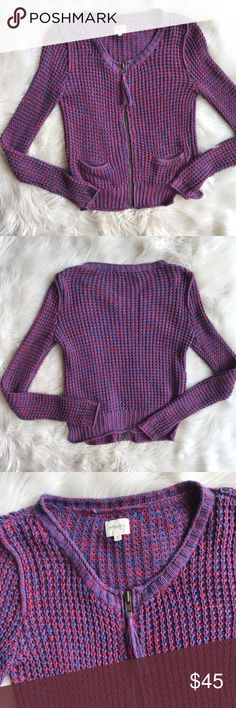 Aritzia Wilfred Free Knitted Zip Up Cardigan Excellent condition Aritzia Wilfred Free Knitted Zip Up Cardigan. Zip up closure with tassel zipper pull. Two small pockets at bottom hip. Knitted texture. Size XS. No trades, offers welcome. Lightly worn, excellent condition. Aritzia Sweaters Cardigans