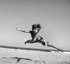 I beleive I can fly ; Jumpin' Jack Flash, Statue Of Liberty, Anatomy, Art Photography, Black And White, Drawings, Classic, Play, Amazing