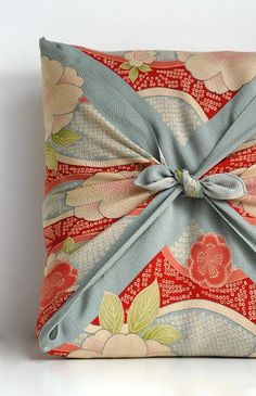 Japanese wrapping cloth, Furoshiki - that's probably a gift, but wouldn't it make a pretty throw pillow?: