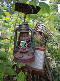 Gardening With Grace: Vintage Garden Stuff - Rusty Ensemble! Garden Junk, Love Garden, Garden Tools, Garden Items, Summer Garden, Garden Projects, Rustic Gardens, Outdoor Gardens, Indoor Garden