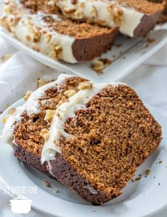 Copycat Starbucks Gingerbread Loaf with Cream Cheese Frosting tastes even better at home! Moist, delicious with a thick, creamy frosting! Christmas Desserts, Christmas Baking, Holiday Foods, Holiday Bread, Italian Christmas, Holiday Baking, Christmas Recipes, Christmas Eve, Ginger Bread Loaf