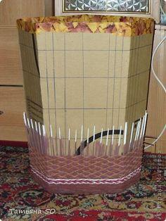 Поделка изделие Плетение Угловая корзина для белья Бумага газетная Ткань фото 5