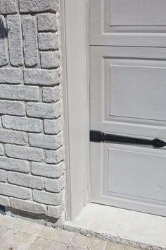 garage door trim after Brown Garage Door, Garage Door Trim, Garage Door Paint, Garage Door Styles, Garage Door Makeover, Garage Doors, Painting Trim, House Painting, Diy Painting