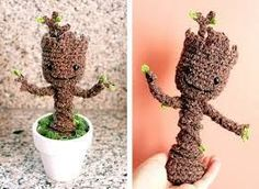 Groot is basically the Giving Tree from Guardians of the Galaxy movie. The Crochet Potted Baby Groot Free Patterns are great to crochet baby Groot. Baby Groot, Groot Toy, Crochet Dolls, Crochet Yarn, Free Crochet, Crochet Flowers, Crochet Disney, Amigurumi Patterns, Crochet Patterns