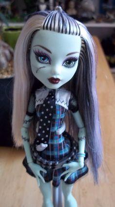 Monster High Frankie Stein Doll www.wonderfinds.com/item/3_171043172564/c335/Monster-High-frankie