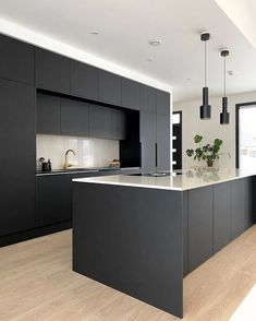 Minimal Kitchen Design, Luxury Kitchen Design, Kitchen Room Design, Contemporary Kitchen Design, Kitchen Cabinet Design, Interior Design Kitchen, Black Kitchen Decor, Home Decor Kitchen, Dark Grey Kitchen Cabinets