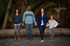 family of 4 holding hands standing, Photography by Roxann Morin Family Of 4, Holding Hands, Photography, Photograph, Photo Shoot, Fotografie, Fotografia, Family Of Four