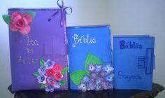 Capa para bíblias, agendas e cadernos, produzidas em EVA e decorada com flores de EVA.  Tamanho pequeno R$ 10,00  Tamanho médio R$ 15,00  Tamanho grande R$ 20,00.
