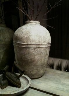 Project: Gemberpot met muurvuller - What I love most Beton Diy, Terracota, Vase, Wabi Sabi, Living Room Designs, Diy Home Decor, Concrete, At Least, Pottery