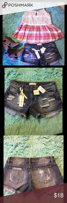 NWT distressed jean shorts❤️❤️ Distressed jean short with frayed edge with paisley pocket detail! Altar'd State Shorts Jean Shorts