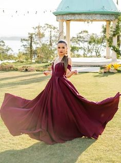 vestido longo marsala para madrinha de casamento no campo Prom Dresses, Formal Dresses, Ball Gowns, Fashion, Long Dress Party, Junior Graduation Dresses, Bridesmaids, Templates, Dresses For Formal