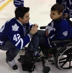 Toronto's Tyler Bozak has a sweet moment with a seriously ill teen.