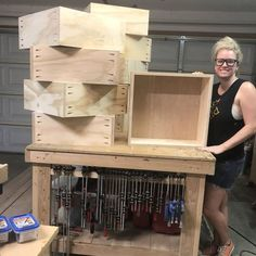There are so many ways to make drawers boxes but since I am making these for my master closet renovation I decided to go the easy way. The easy way not only because they are fast but also since they wouldn't be holding a ton of weight. Closet Drawers, Diy Drawers, Dresser Drawers, Wood Drawers, Woodworking Crafts, Woodworking Shop, Woodworking Plans, Woodworking Machinery, Woodworking Jigsaw