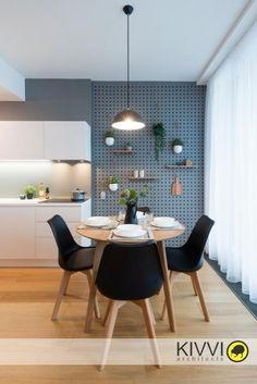 Jedálenský kút v Panorama city Panorama City, Bratislava, Dining Chairs, Interior Design, Furniture, Home Decor, Dinner Chairs, Design Interiors, Homemade Home Decor