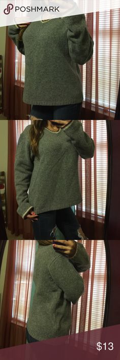 """*15% off 2* Vtg Gray Classic VNeck Wool Sweater Vintage Sweater-Excellent condition- 100% Shetland Wool- Bust: 24"""" (relax) length: 24"""" (shoulder to bottom hem)** model is 5'2"""", 115 lbs & 34D** Fargo Sweaters V-Necks"""