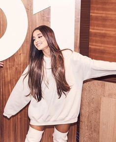 Ariana with her hair down is a blessing – Ariana Grande Gratitude Ariana Grande Images, Ariana Grande Fotos, Ariana Grande Interview, Dangerous Woman, Down Hairstyles, Her Hair, My Idol, Agra, Celebs