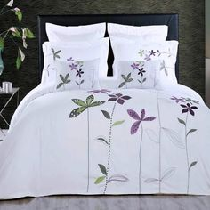 Hotel Style Duvet Cover White King Embroidered Floral Pattern Lavender Purple Flowers 5 Piece Lightweight Bedding and Pillows Pillowcases Set White Duvet Covers, Duvet Cover Sets, Floral Bedspread, Purple Bedding, Duvet Bedding, Ikea, Home And Deco, Shabby, Bed Spreads