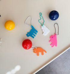 Cute Keychain, Keychains, Print Design, Graphic Design, Fashion Labels, Illustration Art, Stationery, Arts And Crafts, Handmade