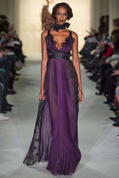 Fall 2015 from Best Red Carpet Gowns Ever, Thanks to MarchesaFall 2015 from Best Red Carpet Gowns Ever, Thanks to Marchesa A dreamy purple dress from the Marchesa Spring 2016 fashion show.Fall 2015 from Best Red Carpet Gowns Ever, Thanks to Marchesa Fashion Show Dresses, Fashion Outfits, Marchesa Fashion, Runway Fashion, Fashion Vestidos, Red Carpet Gowns, Blake Lively, Purple Dress, Beautiful Gowns