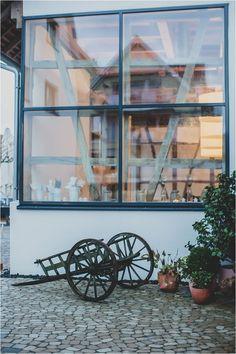 Scheunenhochzeit, ländlich und rustikal! Hochzeitslocations für deine Scheunenhochzeit, Landhof Kemmler.  Foto: Karoline Kirchhof Fotografie