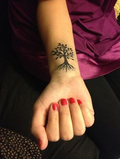 "Would get this but with ""admire the roots, respect the trunk, live in the leafs"" off to the side!"