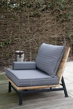 Outdoor chair.   Steel, wood, cushions - clean lines. | Woonwinkel Artistiek Brabant | Projecten