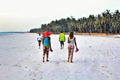 Early morning stroll or run on beach just 300meters away..who can resist www.upanidiani.com by @evynmurry http://upanidiani.com/