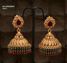 Gold Jhumka Earrings, Gold Earrings Designs, Amethyst Earrings, Jhumka Designs, Kolam Designs, Gold Necklace, 1 Gram Gold Jewellery, Gold Rings Jewelry, Gold Jewellery Design