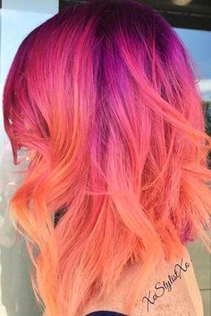 67 Trendy Ideas Hair Color Crazy Unique Short - All For Hair Cutes Short Wavy Hair, Short Hair Styles, Ombre Hair, Pink Hair, Balayage Hair, Sunset Hair, Pretty Hair Color, Hair Dye Colors, Bright Hair Colors