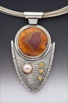 Agate FWP sterling silver and 22k gold pendant by Linda Lewis, San Luis Obispo, CA. USA