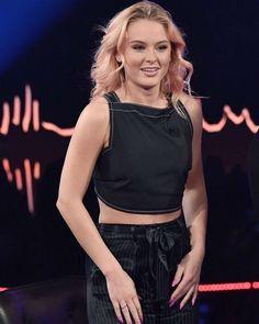 Zara Larsson on Skavlan TV show in Stockholm #wwceleb #ff #instafollow #l4l #TagsForLikes #HashTags #belike #bestoftheday #celebre #celebrities #celebritiesofinstagram #followme #followback #love #instagood #photooftheday #celebritieswelove #celebrity #famous #hollywood #likes #models #picoftheday #star #style #superstar #instago #zaralarsson