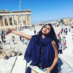 This Woman's Tragic Photos From Her Honeymoon Without Her Husband Will Make You ROFL