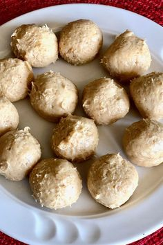 These peanut butter pie balls are a quick and easy peanut butter balls recipe! Bake the best peanut butter balls using cream cheese, whipped cream, peanut butter, and milk chocolate. You will love cooking these peanut butter balls for dessert or a snack!