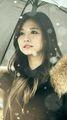 Tzuyu is very pretty! Girls Dp, Kpop Girls, Cute Girls, Beautiful Girl Image, Beautiful Asian Girls, Nayeon, Kpop Girl Groups, Korean Girl Groups, Korean Beauty