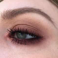 I love a grungy smoky eye ? - paint pot in painterly eyeshadows in texture arena brown script I'm into it dazzleshadow in let's roll lip pencil in burgundy & my favorite upward mascara Makeup Trends, Makeup Inspo, Makeup Art, Beauty Makeup, Hair Makeup, Runway Makeup, Makeup Geek, Makeup Goals, Makeup Tips