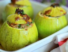 These cous-cous stuffed zucchini are the perfect option for a relaxed summer meal Roasted Vegetables, Veggies, Summer Squash, Couscous, Butternut Squash, Summer Recipes, Cheddar, Nutella, Stuffed Zucchini