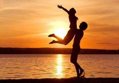 gambar romantis di pantai - Google Search