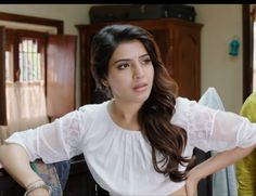 Samantha Images, Samantha Ruth, Best Jeans For Women, Beautiful Bollywood Actress, Indian Actresses, Cute Dresses, Ruffle Blouse, Movie, Queen