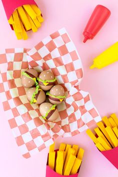DIY burger Easter eggs with brown eggs and paint pens. @studiodiy