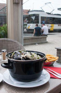 De Haan: Taking the Belgian Coast Tram to go eat some mussels De Haan: Mit der Kusttram zum Muschelessen