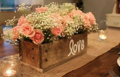 Great center piece for any occasion.  Hydrangeas would look perfect in this box!