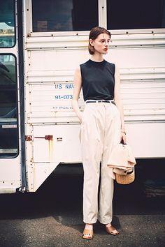 Fashion Pants, Fasion, Love Fashion, Fashion Outfits, Fashion Clothes, Summer Outfits, Girl Outfits, Trendy Outfits, White Pants