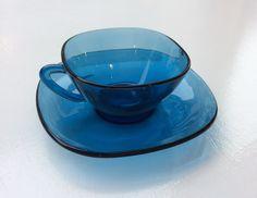 Vereco turkoosi kahvikuppi 60 luvulta . 2 kpl