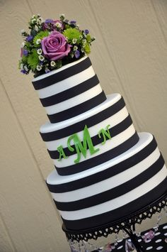 Black and White Stripes - Designer Cakes by April