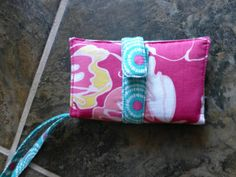 Phone/ipod tutorial with free pattern. #sewing #diy