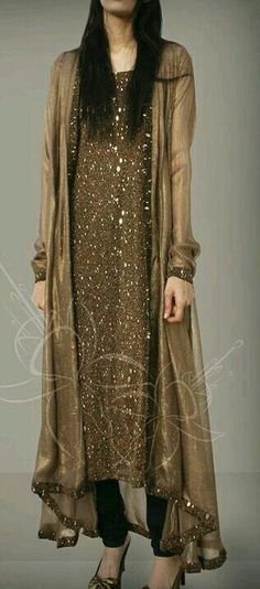 Pin by Hetsangel on Indian clothes in 2019 Pakistani Fashion Party Wear, Pakistani Formal Dresses, Pakistani Wedding Outfits, Pakistani Dress Design, Muslim Fashion, Indian Dresses, Indian Outfits, Indian Fashion, Indian Clothes