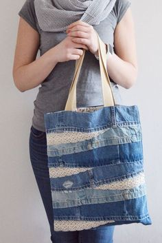 Bags & Handbag Trends: # jeans reform # bags # jean # putting - Home PageJean scrap bag with lace!denim and lace patchwork tote bagUse jeans scraps for this!Bags are looking so nice in fascinating oneself.I absolutely love this - Salvabrani Denim And Lace, Artisanats Denim, Denim Shorts, Denim Tote Bags, Denim Handbags, Denim Purse, Denim Bags From Jeans, Diy Jeans, Men's Jeans