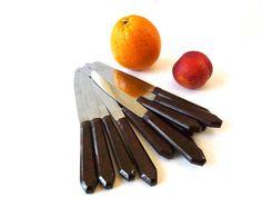 Série de 12 Couteaux Art-Déco manche en bakélite par 7RueStAntoine